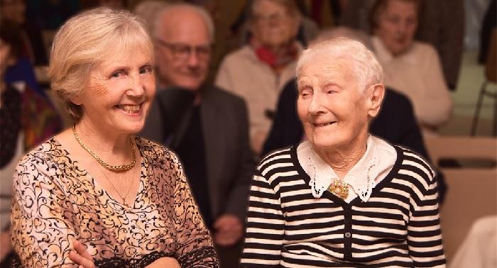 Maintenir le lien social pour bien vieillir