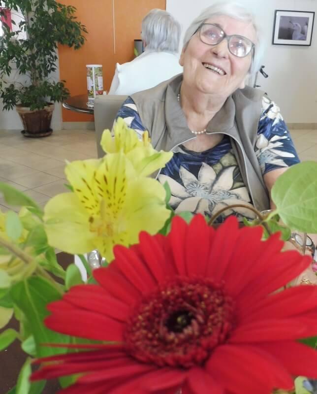 des seniors heureux en residence seniors